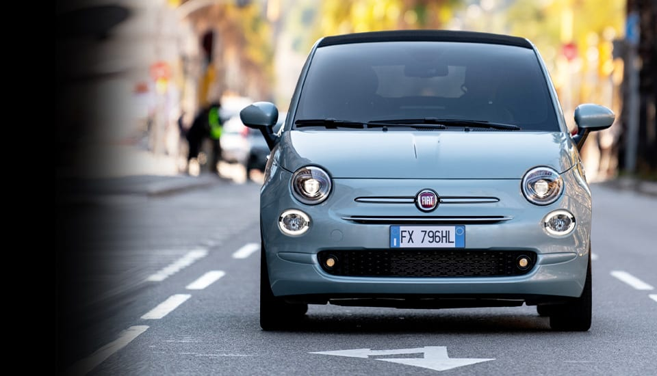 fiat-500-hybrid-city-car-advantage-desktop-960x550