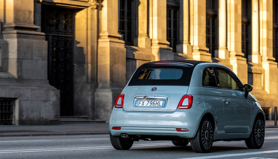 fiat-500-hybrid-city-car-freedom-desktop-960x550